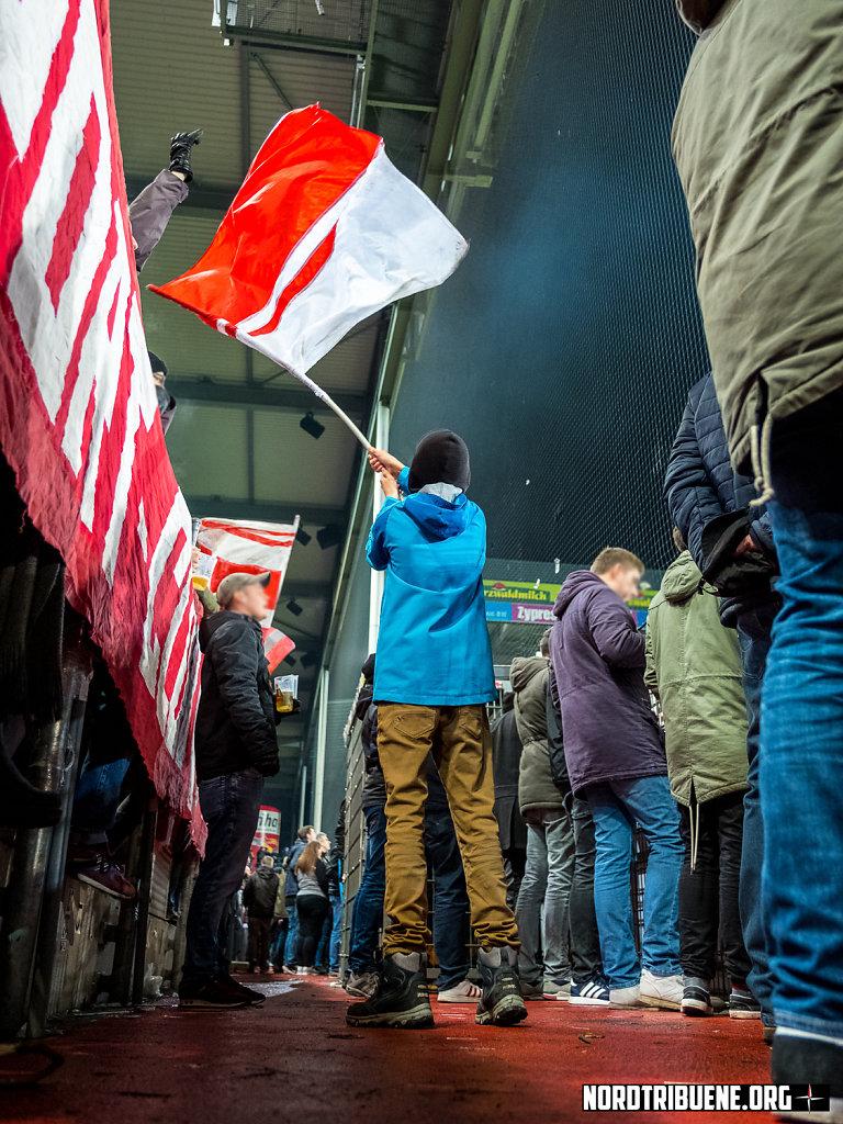 2018-12-19-Freiburg-Hannover005.jpg
